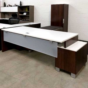 Maverick Used Apex Executive Desk Set