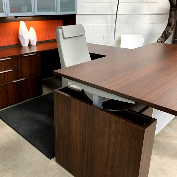 Maverick Used Height Adjustable Executive Desk Set A