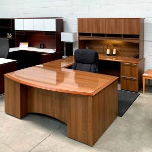 Maverick Used Pacifica Executive Desk Set