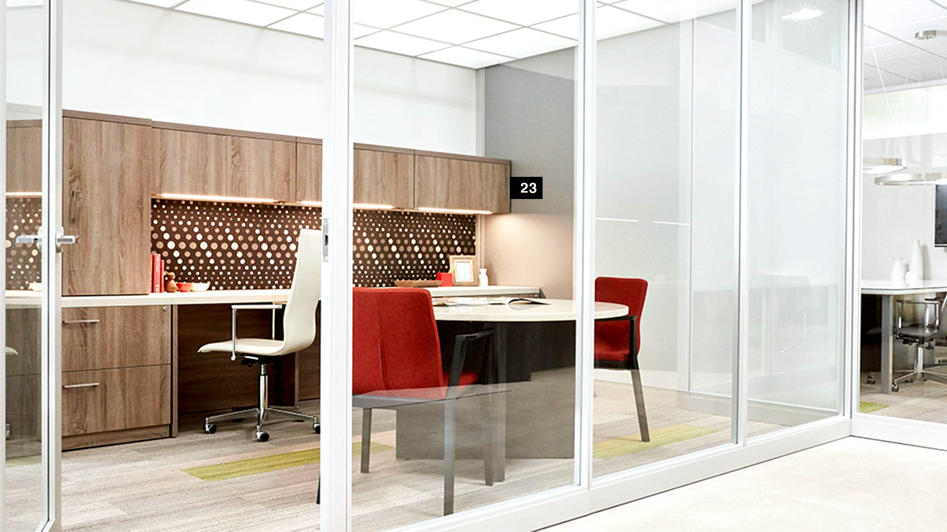 private-executive-office-trendway-volo-wall