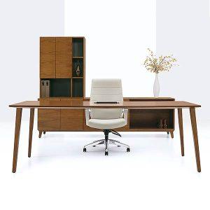 Global Corby Desk